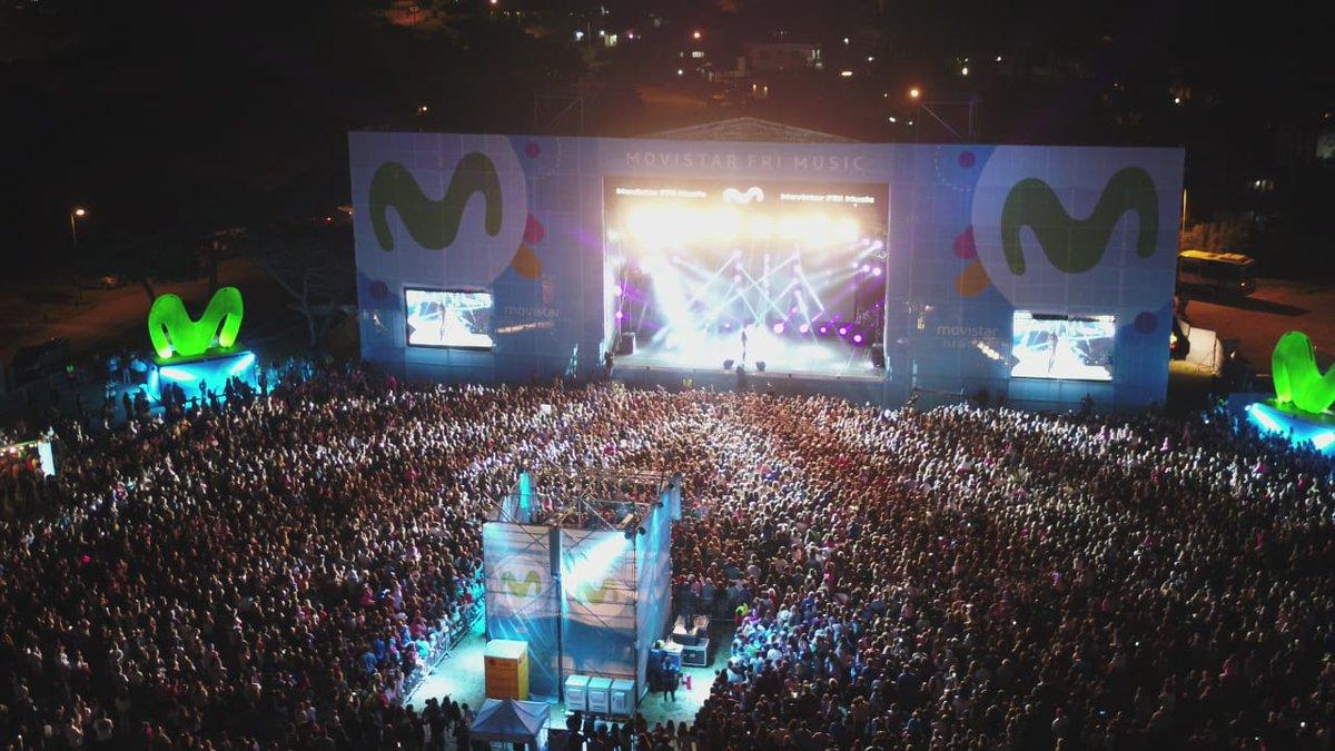 RT @MovistarArg: Revienta de gente el #MovistarFriMusic de la mano de @TiniStoessel #TiniEnPinamar 💣💪 https://t.co/7FdglvFr69