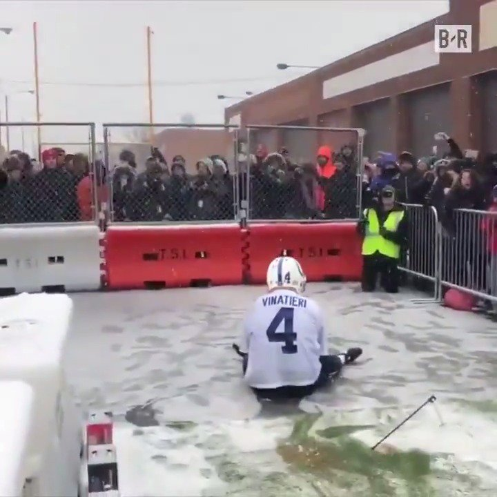 Tough day for Adam Vinatieri 😅 https://t.co/nCudZhWpYZ