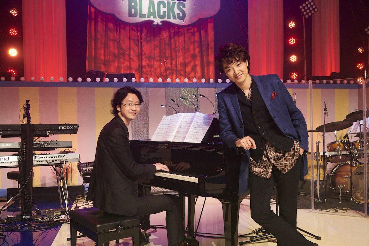 グリブラ 歌収録時のオフショット井上芳雄 さんと音楽監督 大貫祐一郎 さんの安心安定の2ショット さ