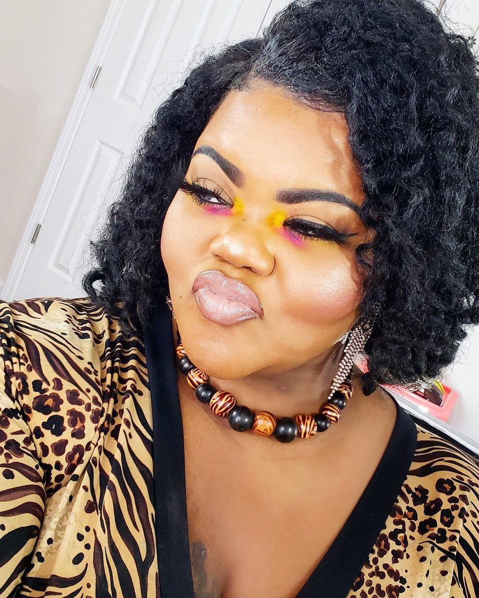 #colourpop #loreal   #macxpatrickstarrr #maccosmetics  #jcatbeauty  #lunarbeauty #lifesadrag  #sleekmakeup #sleekcosmetics #tarte #fairystyylish  #jeffreestarcosmetics #nyxcosmetics #urbandecay  #powerofmakeup #wocfriendly #nudelip #colorfulmakeup #naturalhair