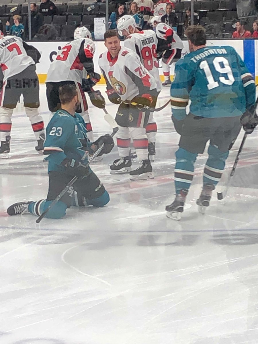 Catching up with old friends #SJSharks  #GoSensGo  #TwitterHockey #SharksForLife <br>http://pic.twitter.com/ef8hhRtpnK