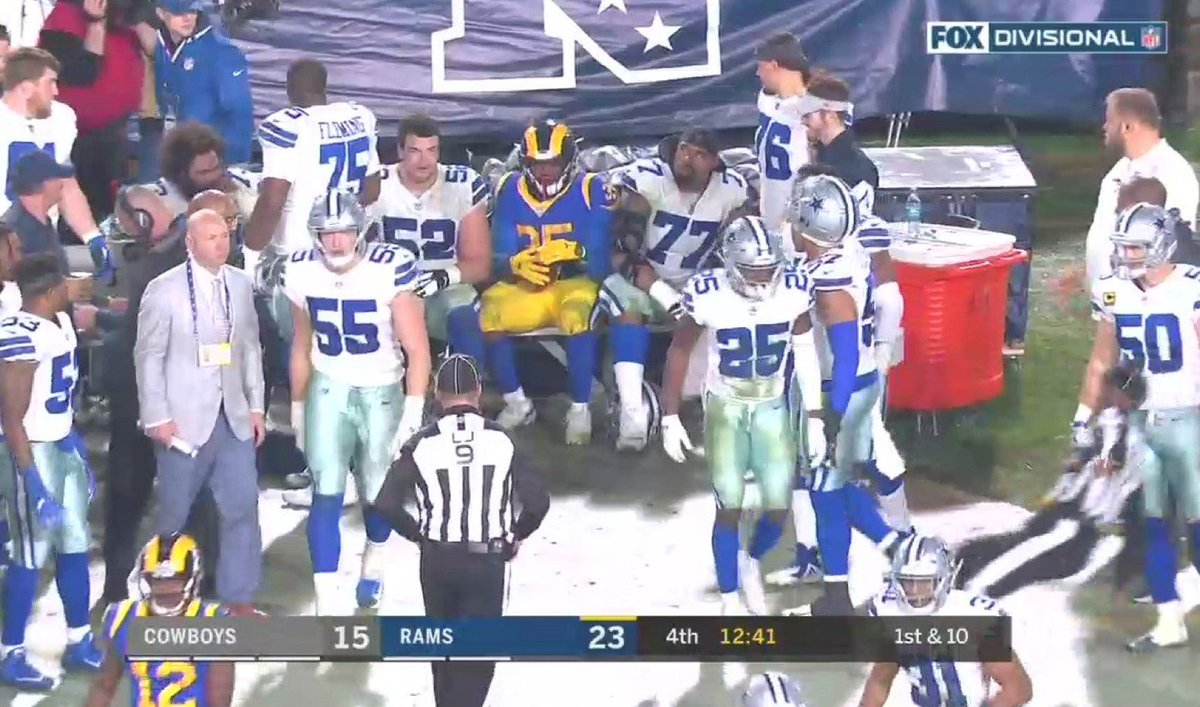 2019 plan, courtesy of CJ Anderson: 1. Get thicc as hell 2. Chill https://t.co/VhMQLa0T5L