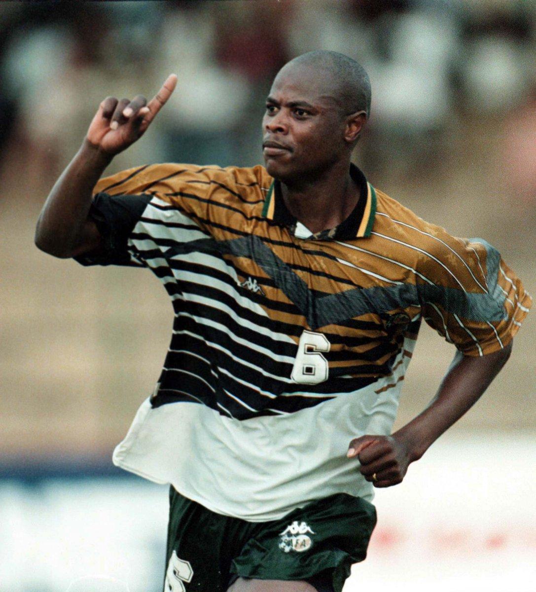 @BafanaBafana legend Phil Masinga has passed on. MHSRIP