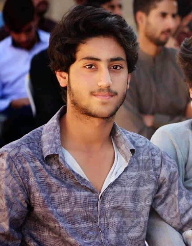 Media is for public not only for publicity, but it is being used as a publicity in Pak. Pak media fully controlled by Pak army and its agencies The Pakistani media has completely rejected the genocide of Baloch  and Pashtun Nation #SaveHasnainBaloch #PashtunLongMarch2TANK<br>http://pic.twitter.com/AQ2qp3CE34