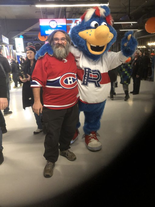 Cosmo at the Bell Centre celebrating Youppi's 40th Birthday @RocketLaval @CanadiensMTL Photo