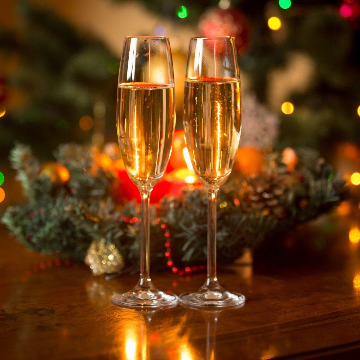 открытка два бокала шампанского с новым годом фото мужчин
