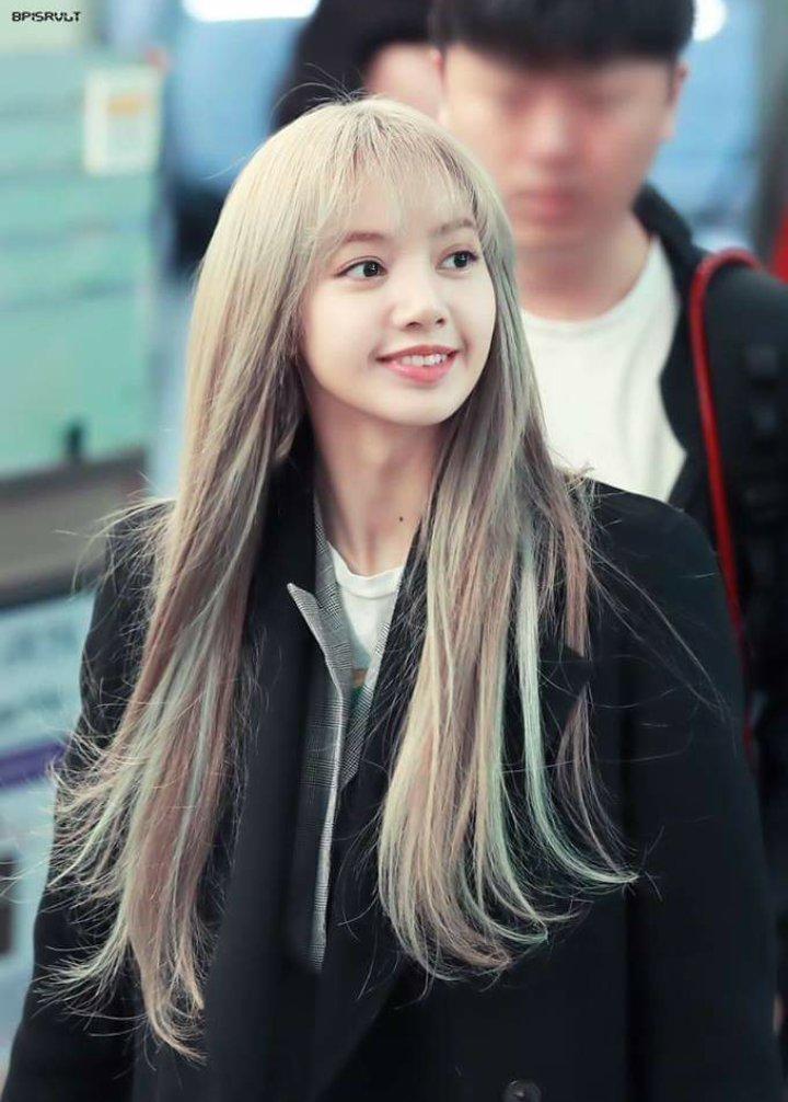 Please protect the girl #RespectLisa  #RespectJennie  #protectrose  #protectjennie  #protectblackpink  #PROTECTLISA #misskoreajisooday  #BLACKPINK2019WORLDTOURinbkk<br>http://pic.twitter.com/VjfGu07Z9g
