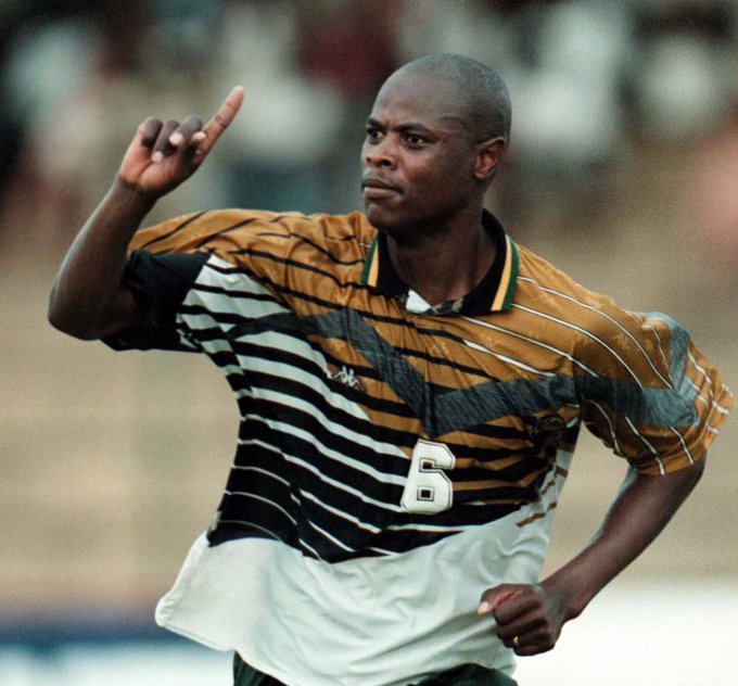 ❤️| RIP Phil Masinga. The Bafana Bafana legend has sadly passed away at the age of 49. Soccer Laduma would like to extend our deepest and most sincere condolences to the Masinga family during this difficult period. Photo