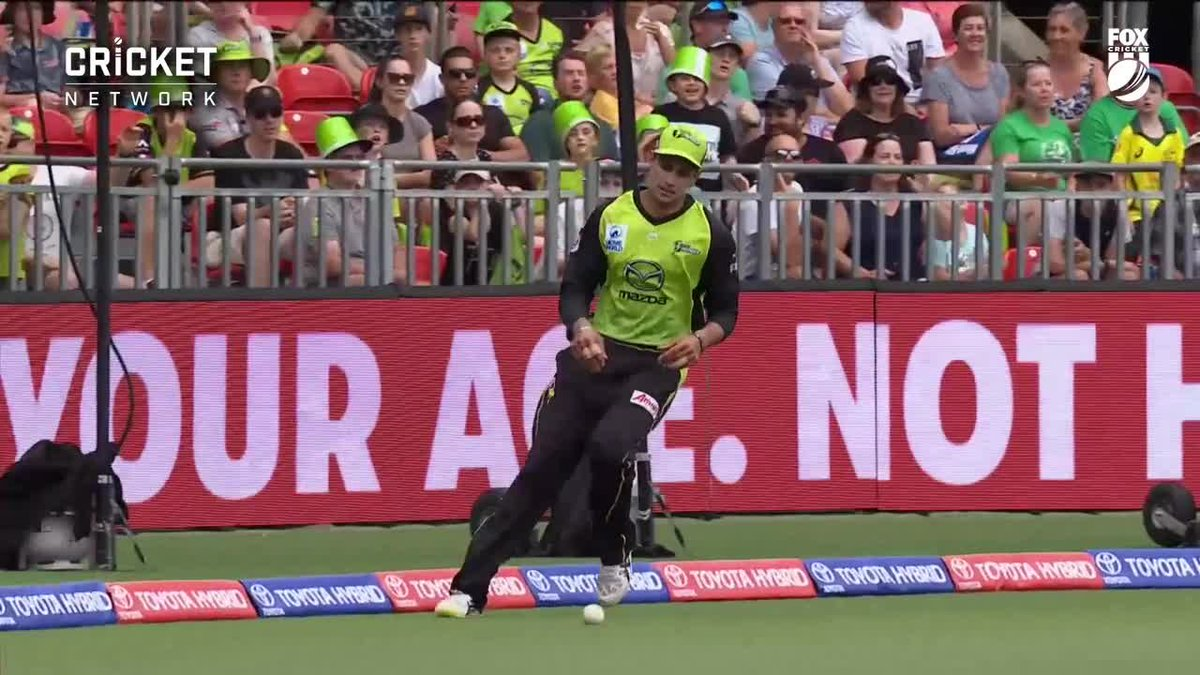Jason Sangha lost track of the ball and then the commentators absolutely lost it in the commentary box for our first Bucket Moment of the day! 😂😂  #BBL08 | @KFCAustralia