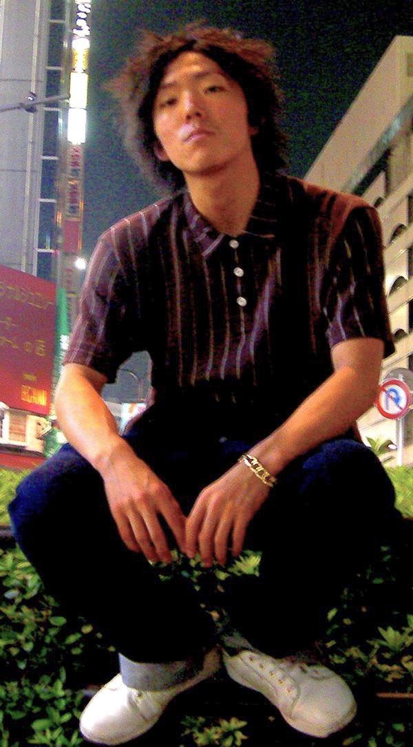 世の中、成人式と言うことで、 わたくしヒカキンの20歳の時の写真がこちら!  見下しとるwww  成人式はハモネプのテレビ収録で行けなかったの覚えてる😎  #成人式 #20歳 #二十歳