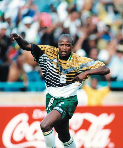 Goodday Masandawana. Its a sad day to learn that one of Sundowns and Bafana Bafana legend Phil Masinga passed away. We offer our heartfelt condolences to his family and may his soul rest in peace. Photo