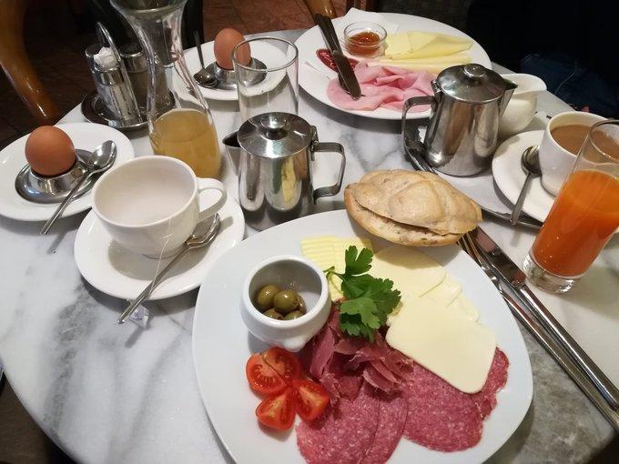 Mahlzeit und Guten Morgen ihr 🏈 Süchtigen :)jt wird mal gebruncht und dann gehts weiter mit den Games👍 #ranNFLsuechtig #ranNFL Foto