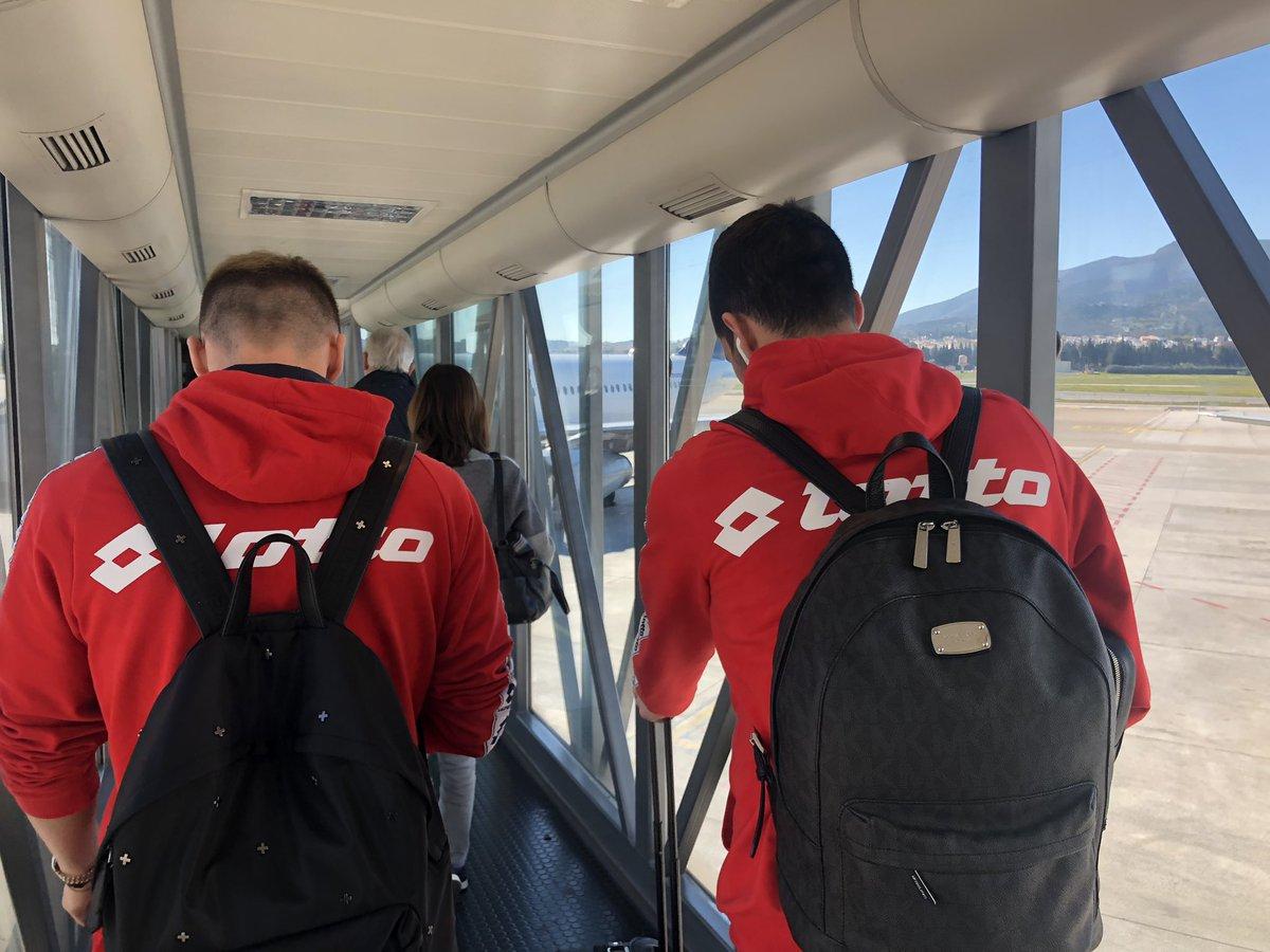 🛫 #Mainz05 fliegt gleich nach Hause! ℹ️ Montag frei, Dienstag (15 Uhr) geht es dann auf dem Trainingsplatz weiter...