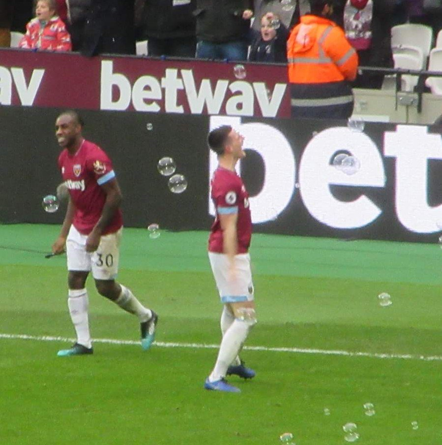 Turned out rather Rice yesterday, you bet. #WHUFC #COYI #ARSWHU @_DeclanRice https://t.co/Bpz7fYdXk9