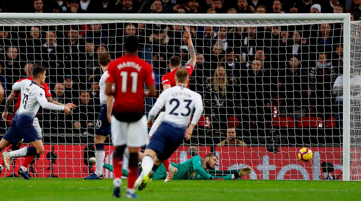 David De Gea made 11 saves against Spurs, the most saves by a goalkeeper in a single Premier League game this season.  Dave saves and saves again. 👐