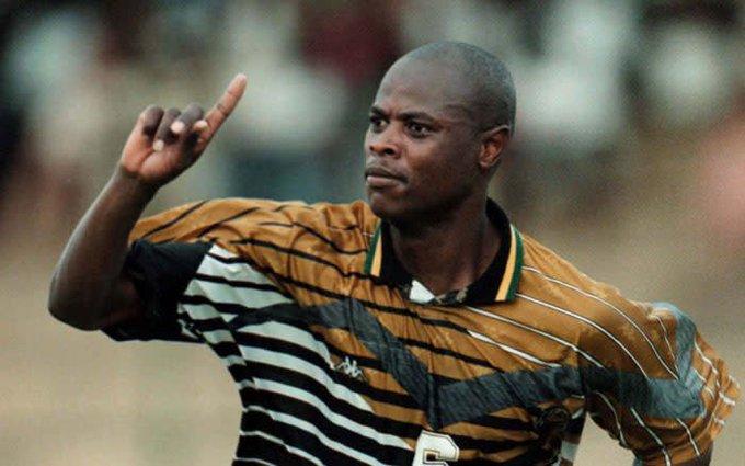 Tributes pour in for soccer legend #PhilMasinga #RIPMasinga Photo