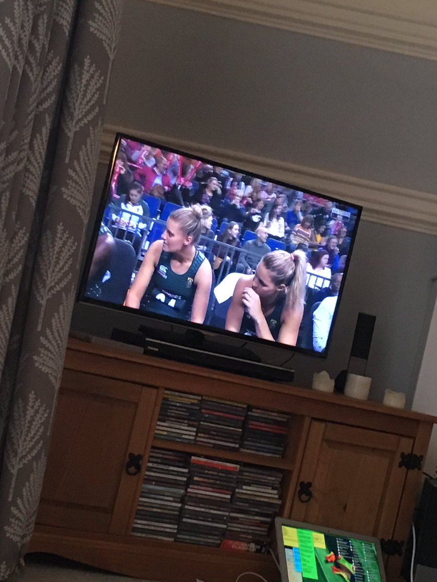 All set to watch our faves @MarykaHoltz and @PhumzaMaweni 🏐smash it girls 👊🏻!! #ballers #netballfam