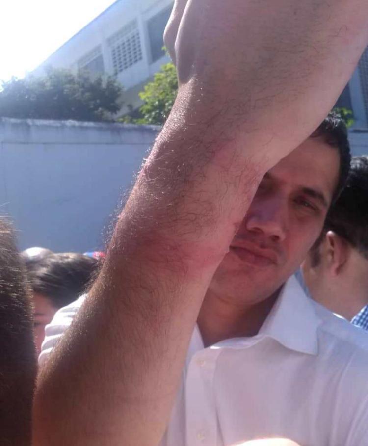 Nixon Moreno's photo on Juan Guaidó