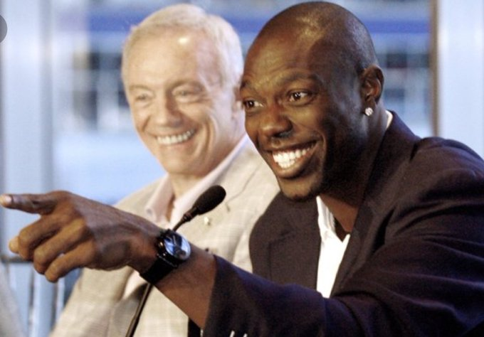 Twitter Reacts to Terrell Owens Telling Jerry Jones It is Time to Fire Jason Garrett (Tweets) Photo