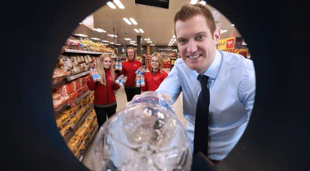 Supermarket trials 'it pays to recycle' machine in Belfast store belfasttelegraph.co.uk/business/north…