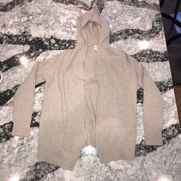 adee7f3373 Check out all the items I m loving on  Poshmarkapp  poshmark  fashion   style  shopmycloset  gap  denimflower  freepeople   https   bnc.lt focc 3MAMdqkkBP ...