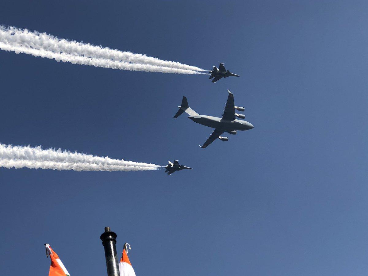 عرض عسكري في الهند احتفالا بالذكرى الـ70 لتأسيس الجمهورية Dx0aGpaWwAII_Kw