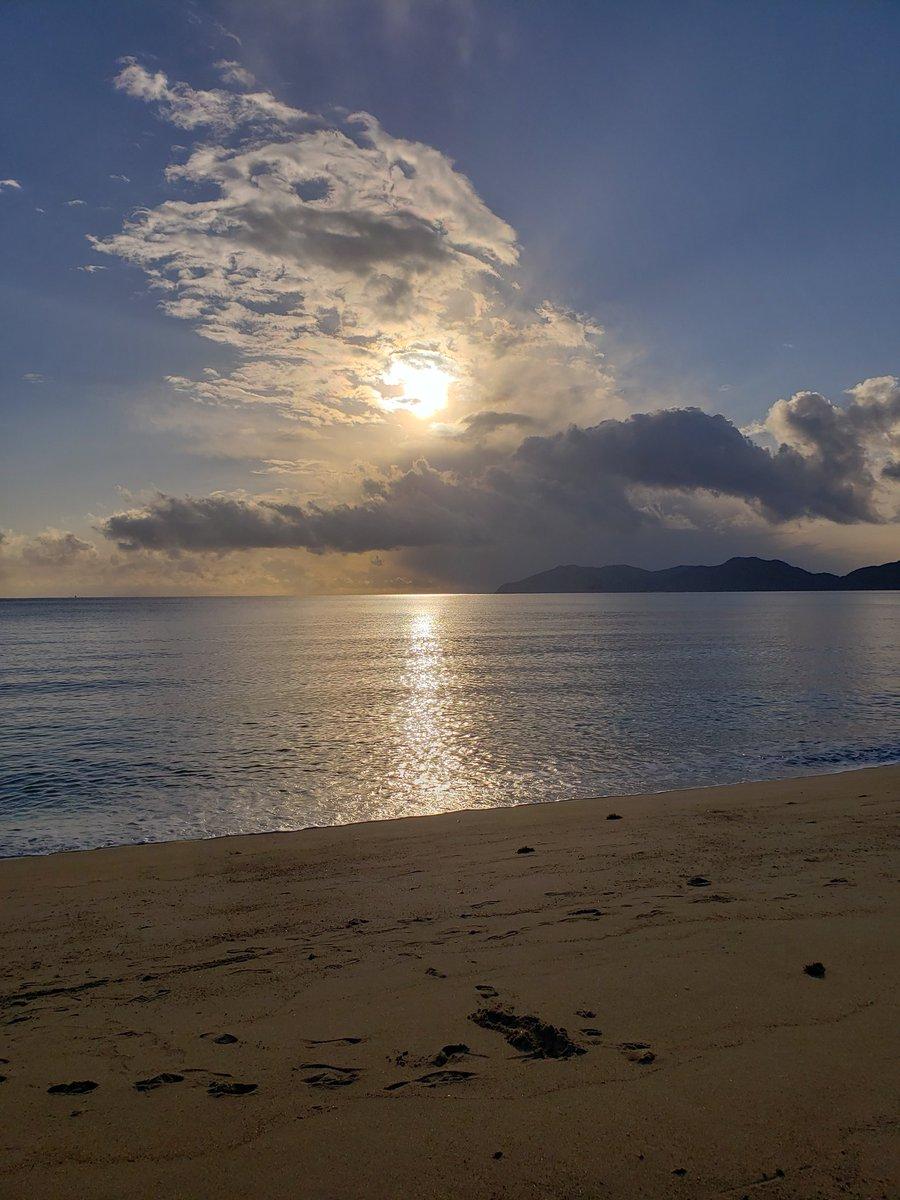 久しぶりに虹ヶ浜きたー!  きれいな海岸だなー!  わーわーわー‼️ https://t.co/CFR1bc2s7b