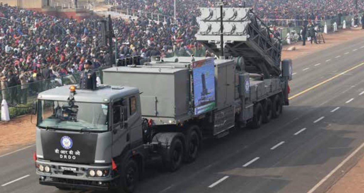 عرض عسكري في الهند احتفالا بالذكرى الـ70 لتأسيس الجمهورية Dx0hTk_WwAA6K_T
