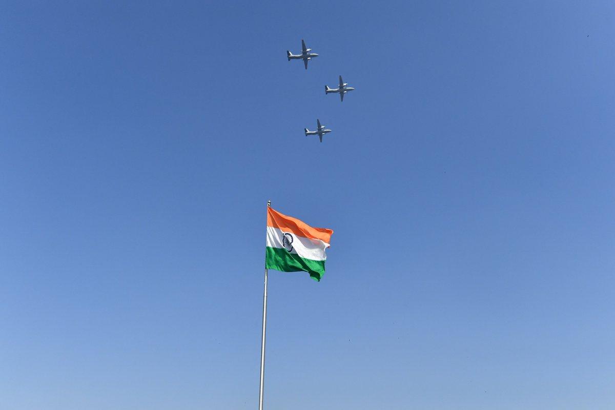 عرض عسكري في الهند احتفالا بالذكرى الـ70 لتأسيس الجمهورية Dx0sDCZWkAA_CSp