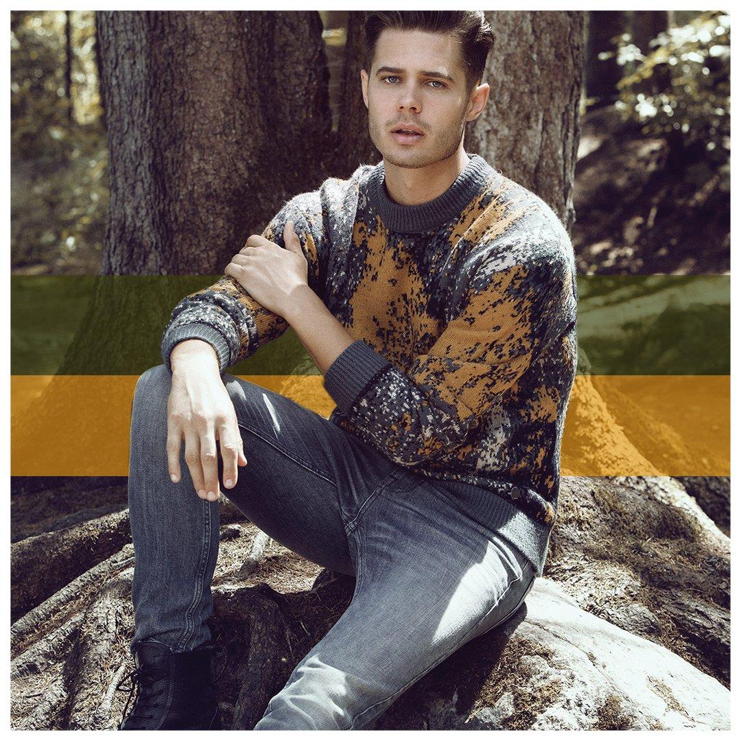 Güne iyi başlamak için bugün en sevdiğin kazağını giymeyi unutma.  Kazak: http://goo.gl/Cdb7gi