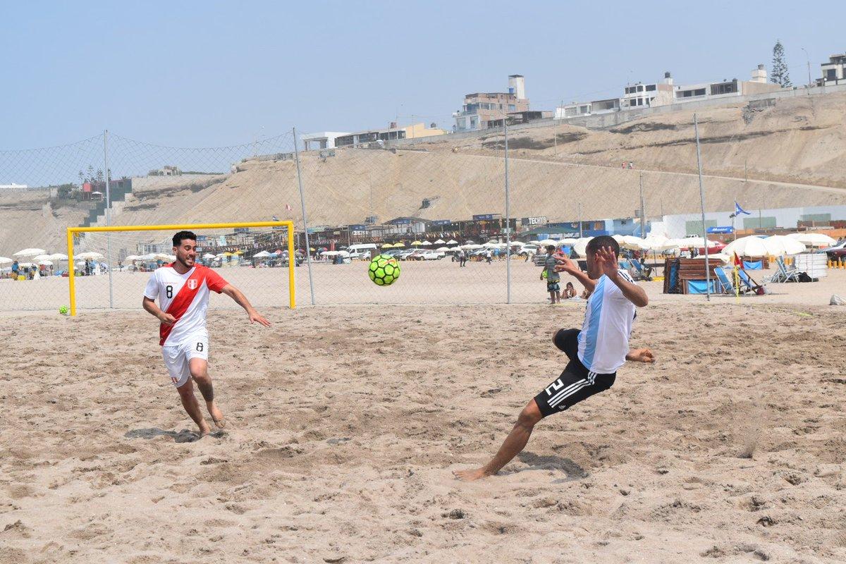 Playa El Silencio, Perú