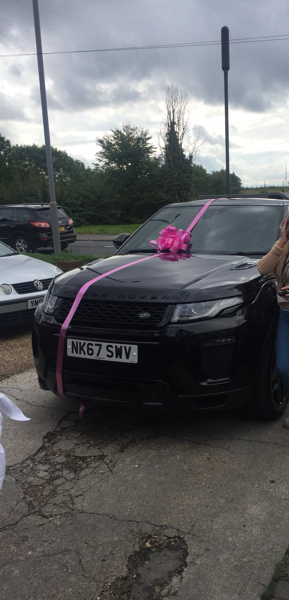 Stolen in Chingford last night around 8pm. Registration NK67 SWV. Please retweet! Black Range Rover Evoque.