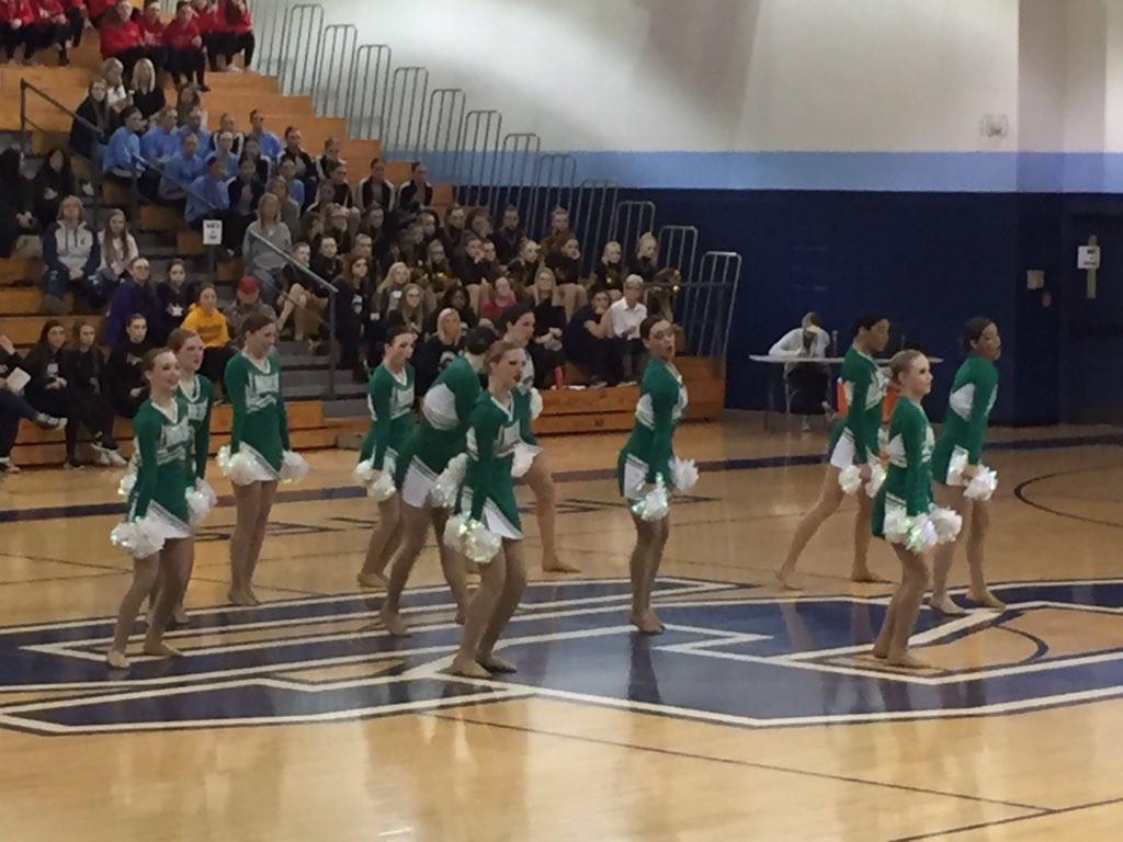 JV Flyerettes performing their Pom routine at St. Charles Classic! Go Flyers!