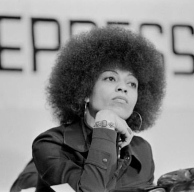 Happy birthday to Angela Davis. A woman who has set the example for Black women and girls across the world.