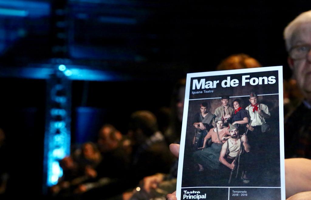 """Vespre de teatre al @teatreprincipal amb #MarDeFons. Com diu el director de l'obra, @perefullanamas, """"és una reflexió poètica sobre què va significar el cop d'Estat i el seu impacte en la societat mallorquina"""". Actors i actrius de primer nivell que garanteixen l'èxit de l'obra.🎭"""