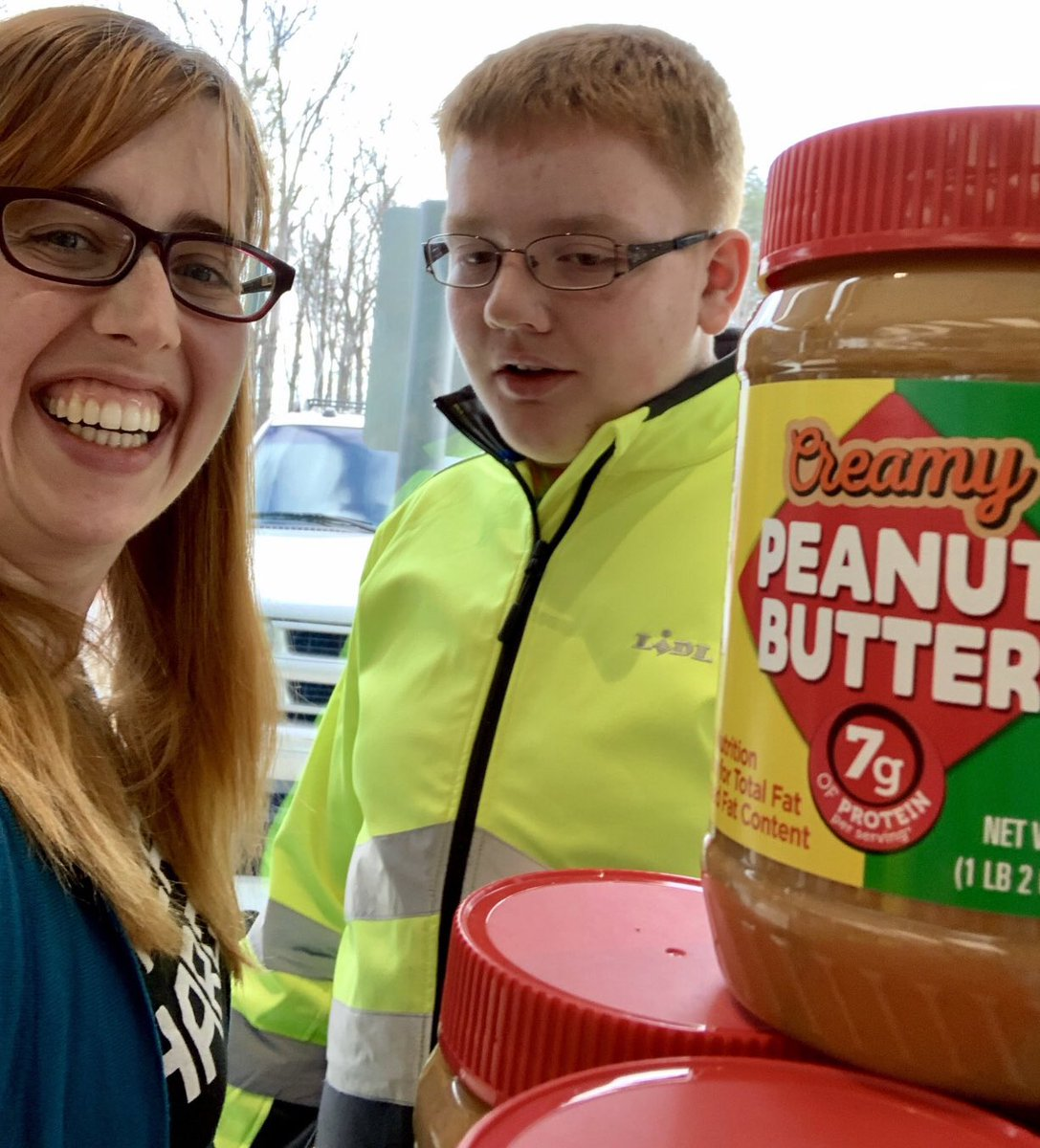 Shared my peanut butter today. It was good. A favorite teacher & friends came to see me,and some people asked me to sign their jars. That was weird. But also kind of awesome. I'm happy. Thank you all the nice people.  @LidlUS @dandelionmama #BeanutButter