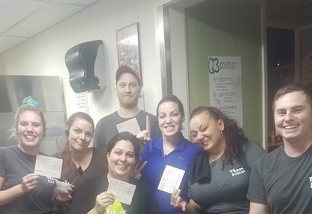 Raining #ATLs at Cape Coralwalk @chilis today! So much amazing #teamservice and making #theguestcount! Blake, Don, Tyler and Amber, Jen M., and Jamie all killing it and driving results! ❤️🌶💪🏻#saturday #capestrong #teamcape #foodperfection @tlpd3 @chilischuck @ChilisJobs