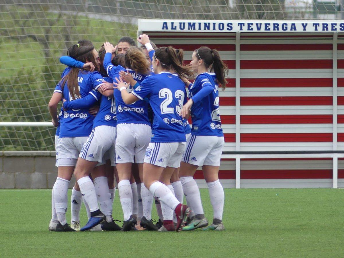 Las jugadores del Oviedo celebran el gol de Carol (Foto: Real Oviedo).