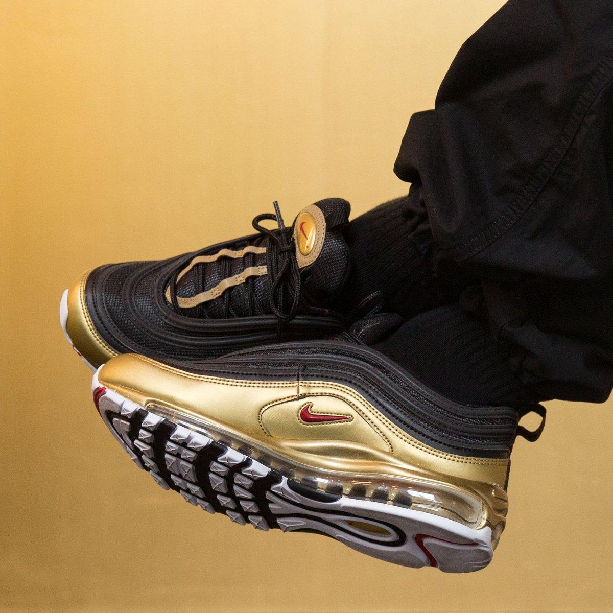 nike air max 97 black and metallic gold