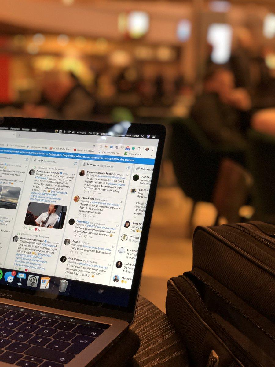 Wir sind #startklar am Hamburg Airport & sehr gespannt auf den gleich startenden #Twitterpitch! Wie sieht's aus, @maschmeyer? ✈️ https://t.co/ITxOMra4tl