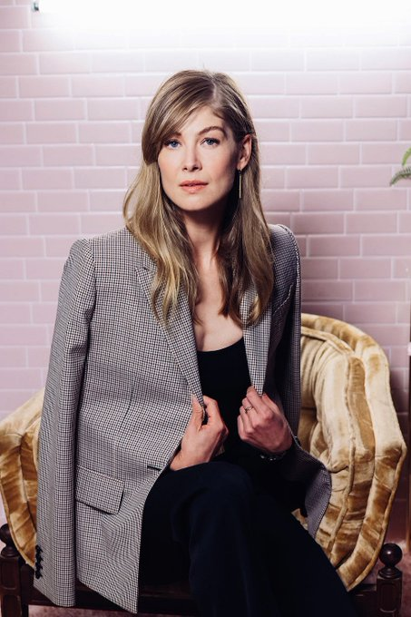 Happy birthday to an amazing actress who deserves the world and one of my favorites, rosamund pike
