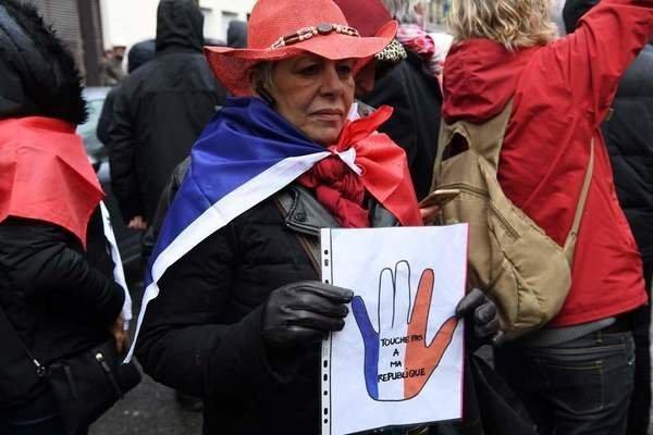 Manifestation pour la tolérance et contre les violences  Dx7ry4eWkAEXWuv