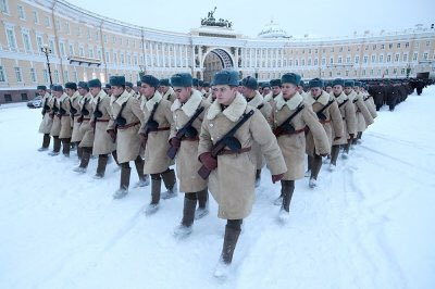 Today our city marks the 75th anniversary of the complete liberation of Leningrad from the Nazi siege. The parade on the Palace Square. #parade #russianparade #leningrad #lenigradblockade #StPetersburgTours @RedsunTours https://t.co/7sHA5796PU