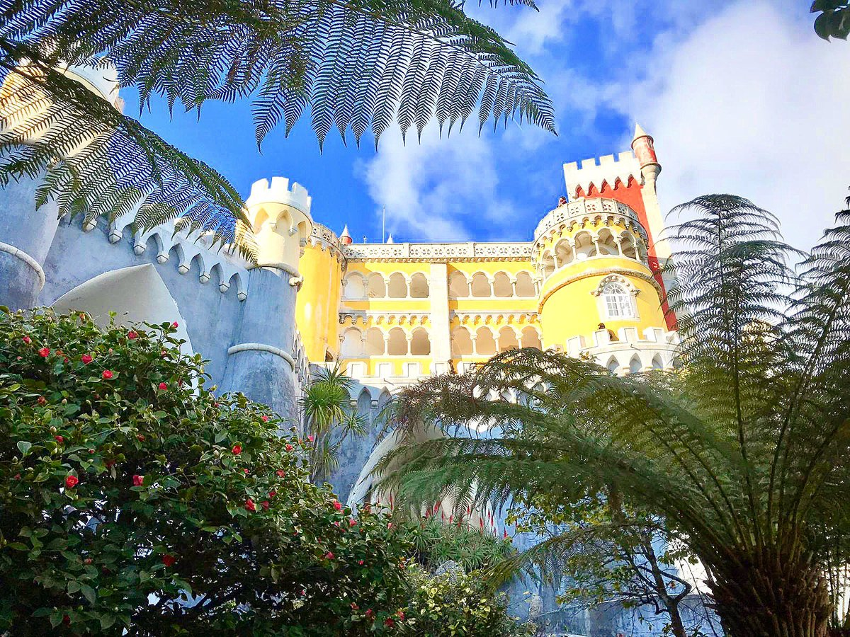 When in Portugal check out Palácio da Pena is a Romanticist palace commissioned by King Fernando and Queen Maria II of Portugal and was completed in 1854. #turismodeportugal #visitportugal #pasteisdenata #cafedenata #coffee #sunday
