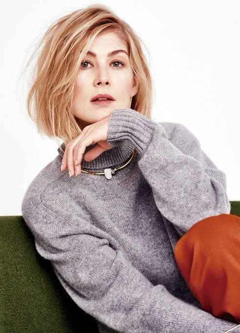 Happy Birthday to one of my most favourite actresses ever - Rosamund Pike!