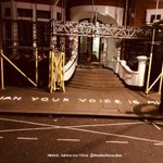 'Julian your voice is missed' -- Powerful illuminated message left outside the Ecuadorian Embassy, London by @BeeBeeHoneyBee #FreeAssange #Artists4Assange