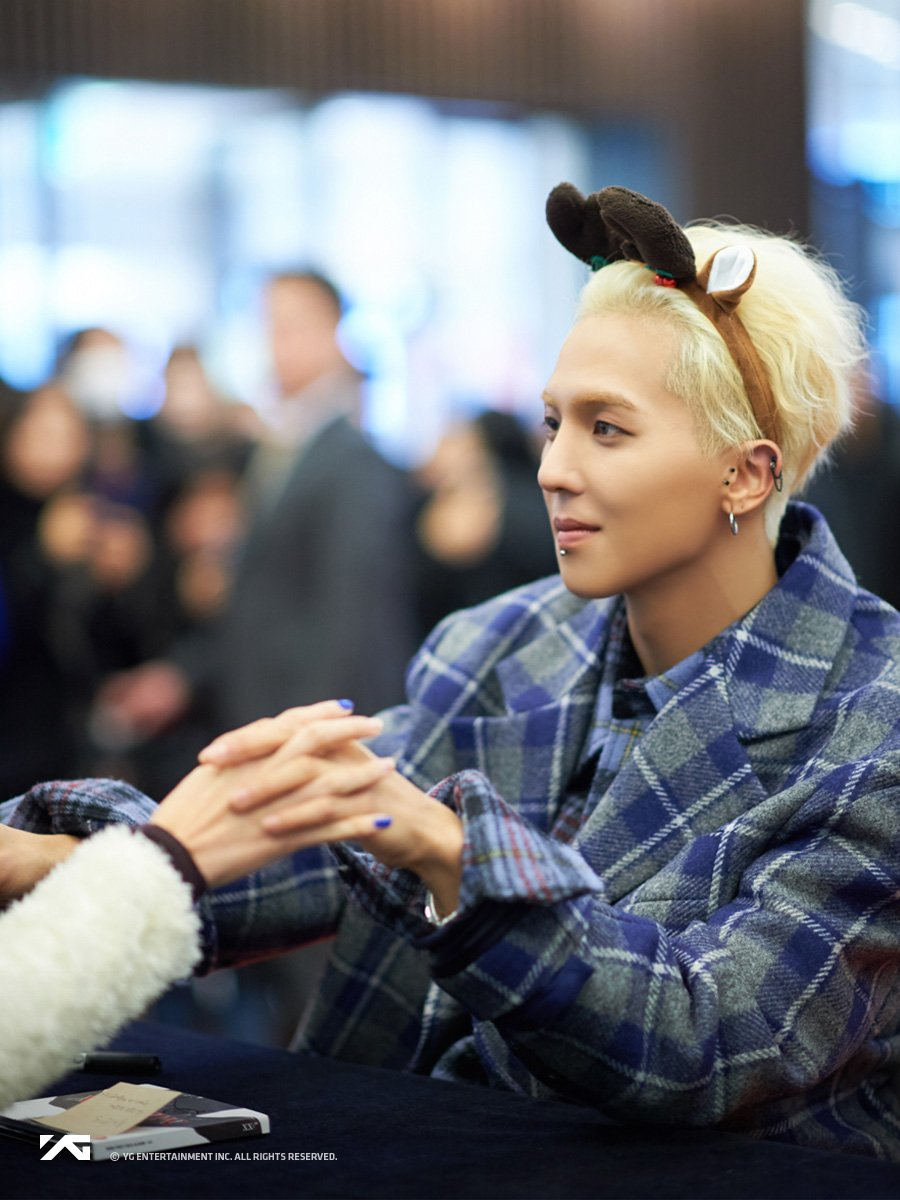 #MINO 'XX' ALBUM FAN-SIGNING EVENT in BUNDANG   More photos 🔽 https://t.co/1hdSXm3GBd  #WINNER #위너 #민호 #XX #FANSIGNING #BUNDANG #YG