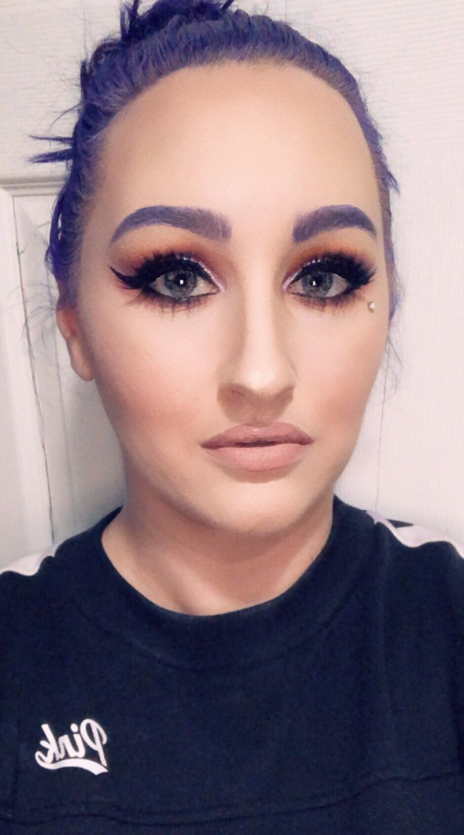@jamescharles used your UYIA palette for this look, it's such a beautiful palette. #selftaught
