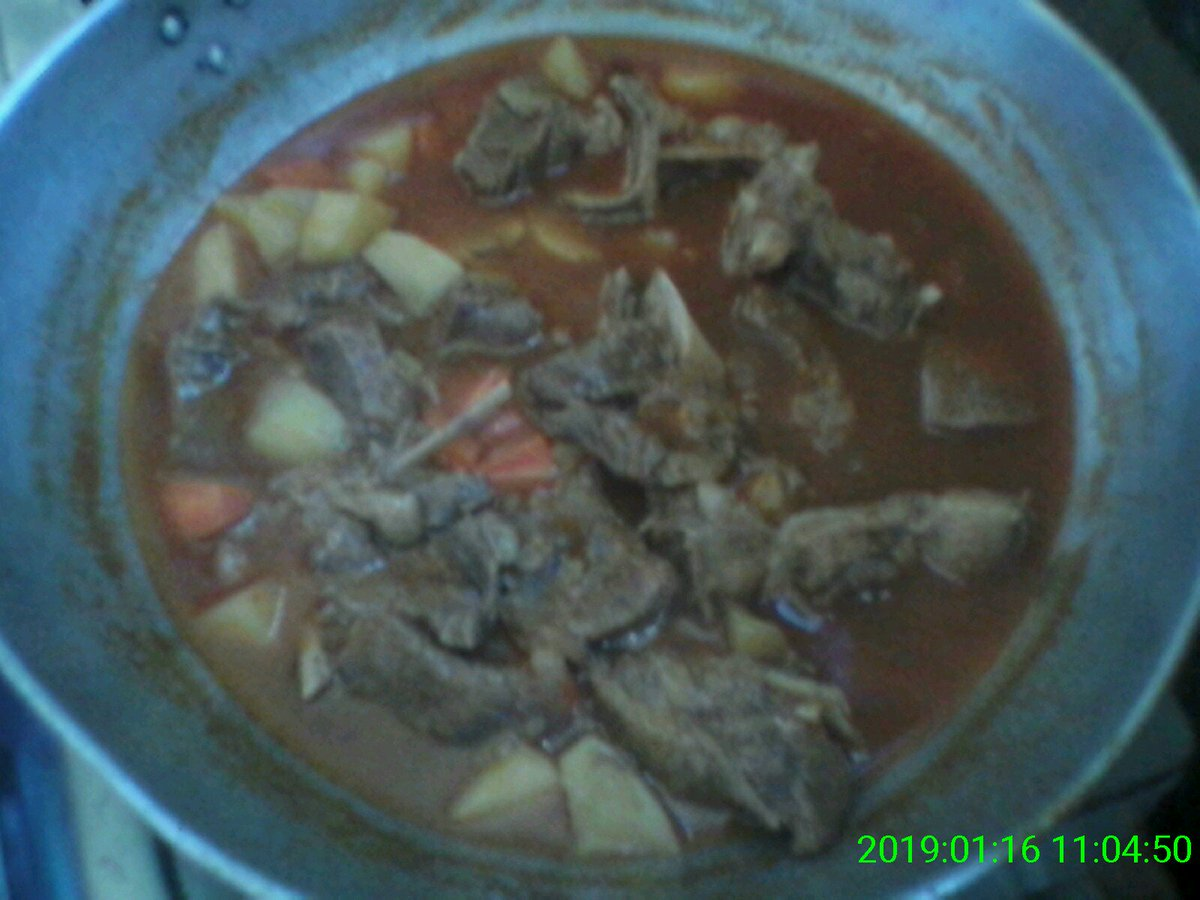 Beef Caldereta  Ingredients: Garlic Karne Ng Baka Maggic Magic Sarap Salt And Pepper Sabaw Ng Baka Del Monte Tomato Sauce Del Monte Pineapple Juice