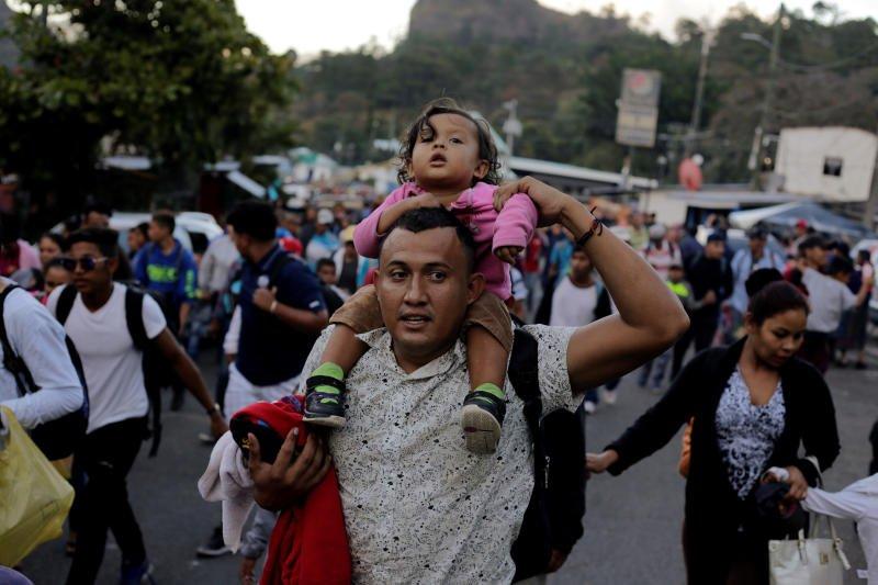US-bound Honduran migrant #caravan grows as #Trump argues for wall  https://t.co/28o1BI074t